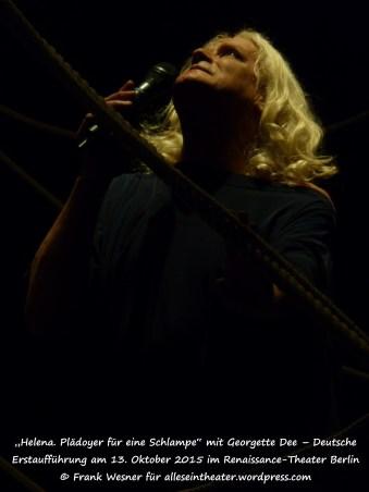 Georgette Dee als Helena von Troja