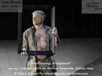 """""""Kriegsbeute"""" – Uraufführung am 22. Februar 2019 im Berliner Ensemble, Kleines Haus © Frank Wesner"""